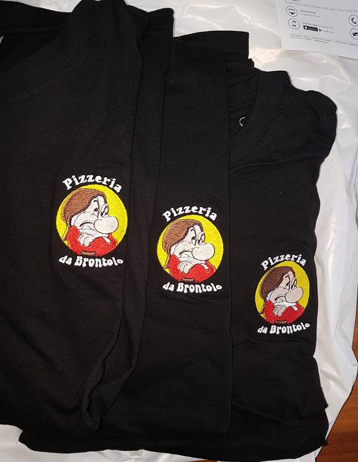 T-shirt personalizzata con logo Pizzeria da Brontolo, Anguillara